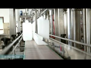 full automatic lubricant oil filling capping labeling machine